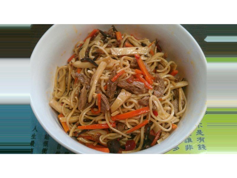 海鮮干貝醬牛肉炒麵