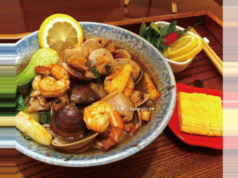 泰式酸辣海鮮米線