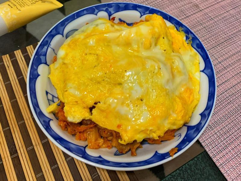 韓式泡菜豬肉蛋包飯