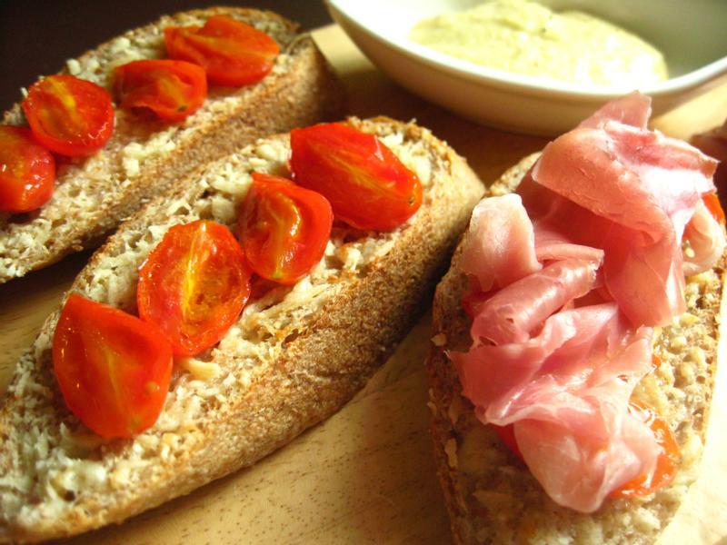 週末早午餐第三篇---西班牙農夫麵包佐帕馬火腿