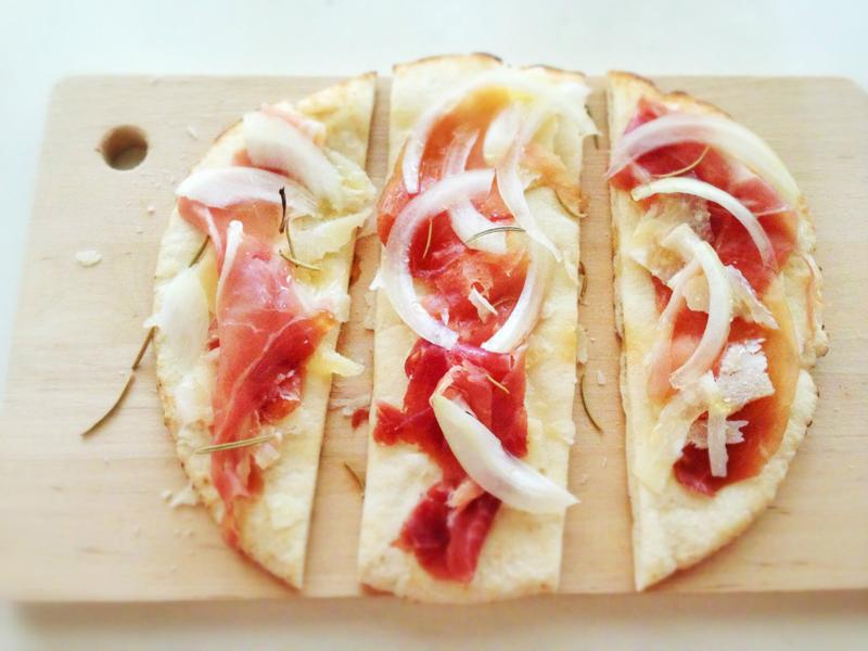 蜂蜜帕瑪火腿薄餅 Honey Prosciutto Flatbread