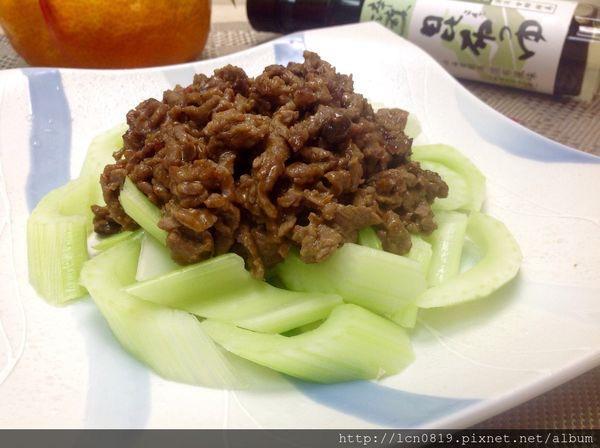西洋芹京醬牛肉絲(淬釀開運年菜)