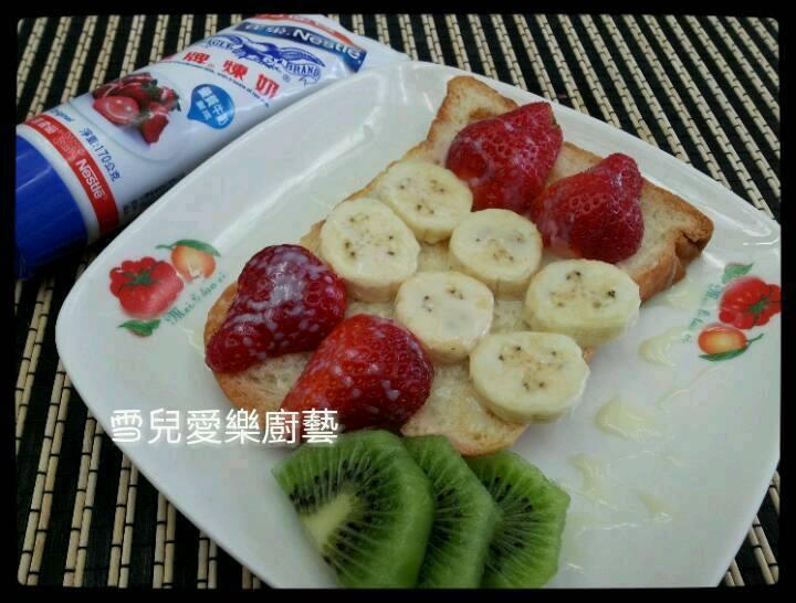 草莓果香吐司排(草莓就愛鷹牌煉乳)