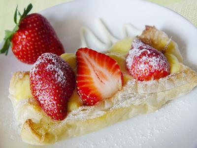 【厚生廚房】草莓甜心鬆派