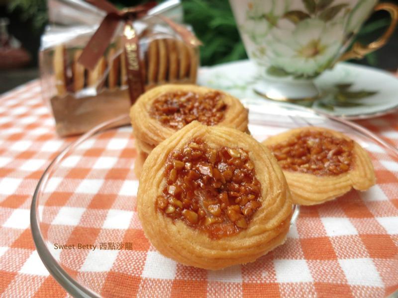 杏仁蜂蜜焦糖圈餅