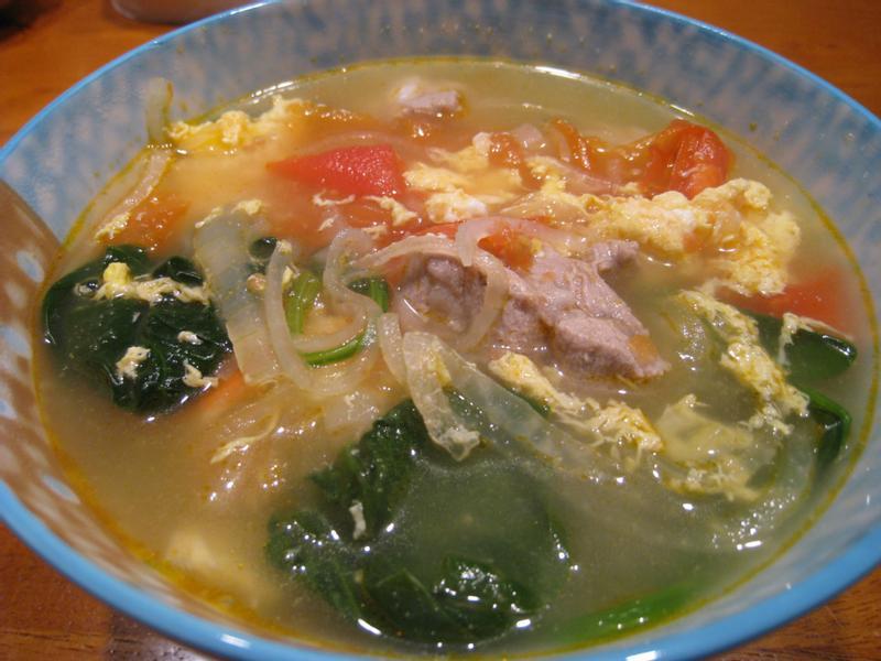 【粉豬兒】蔬菜排骨湯