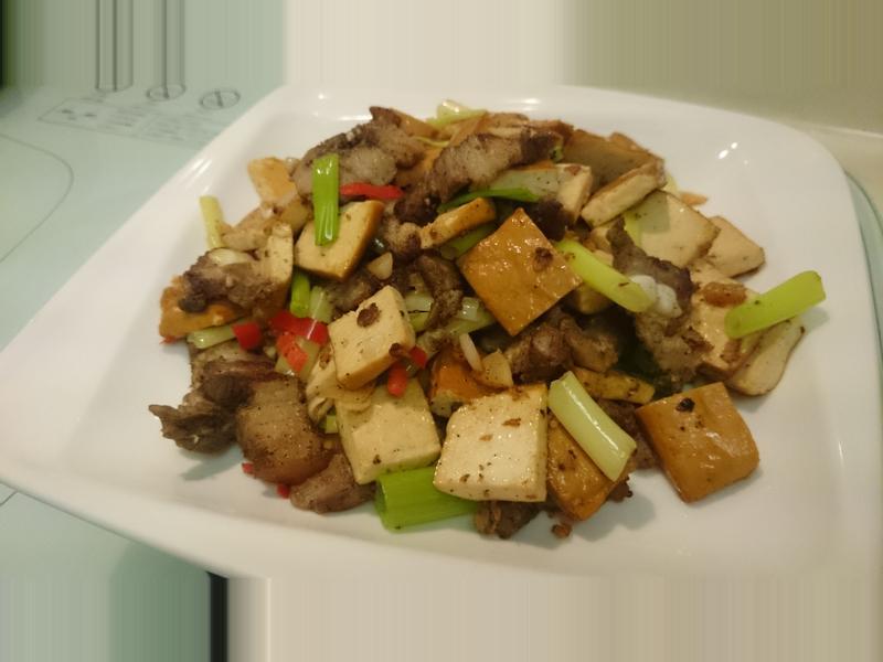 鹹豬肉炒豆干
