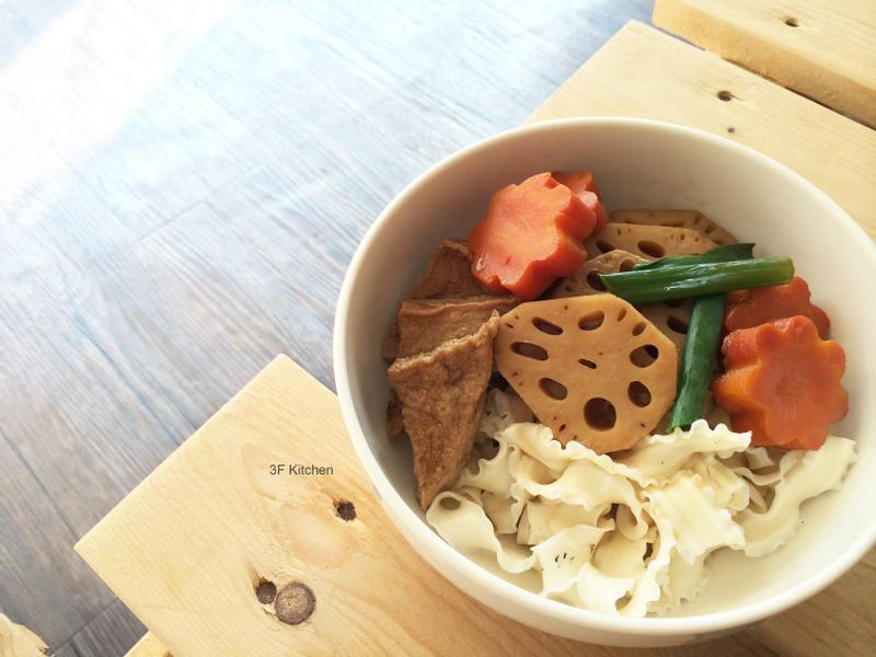 蓮藕滷百頁豆腐/五辛素