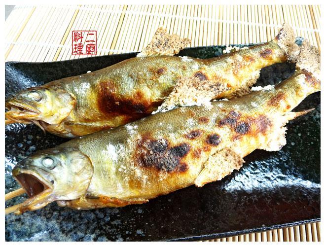 《二廚料理燒烤》碳烤香魚 (香魚(母)每100g:約152大卡)