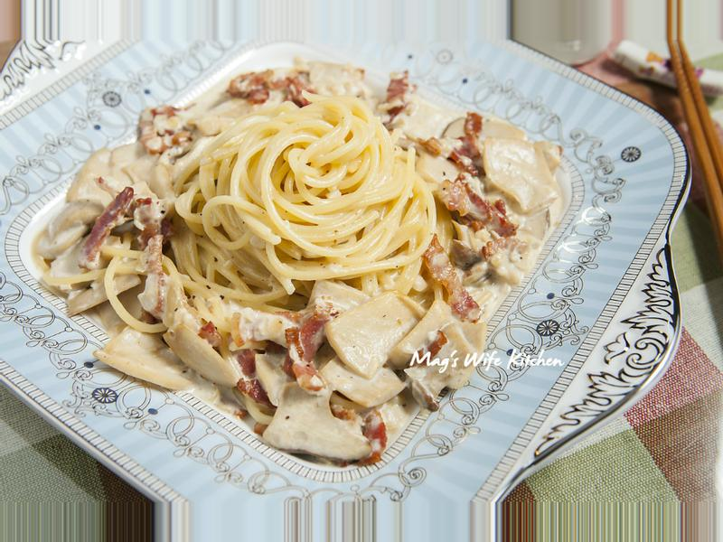 奶油培根菇菇義大利麵