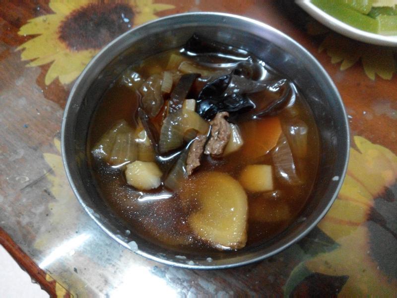 簡單好喝蔬菜牛肉湯