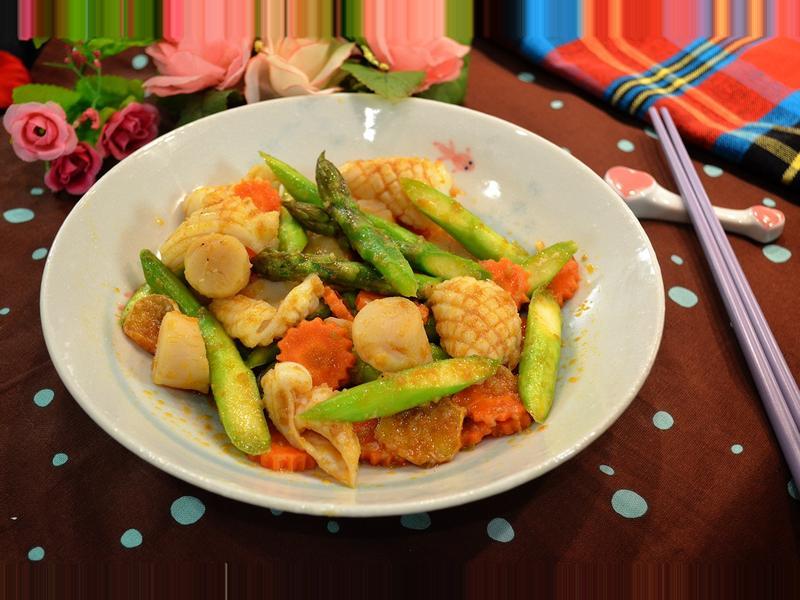 蝦醬鮮貝墨魚炒蘆筍