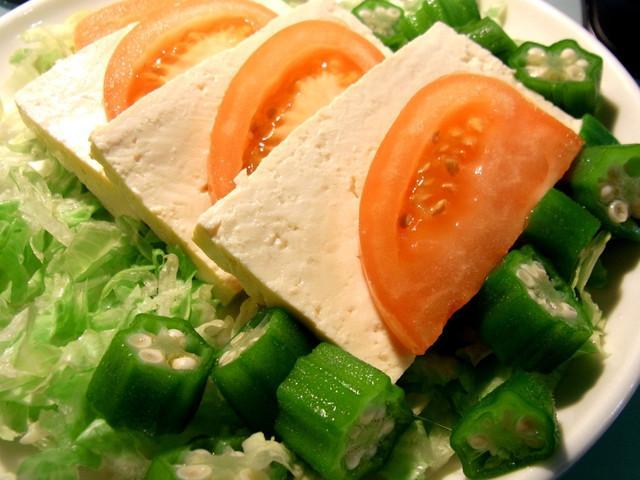 和風芝麻醬秋葵冷豆腐