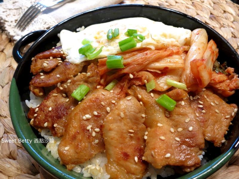 韓式松阪肉片蓋飯