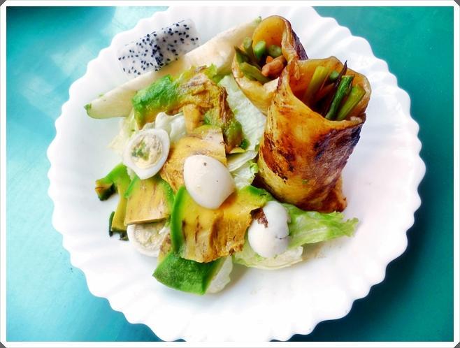 <PJ>假日簡單做輕食。蘆筍雞絲南瓜抓餅捲-附酪梨沙拉