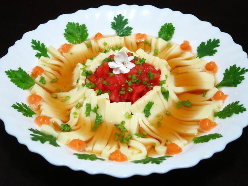 「桂冠夏至涼拌」番茄冷豆腐麵