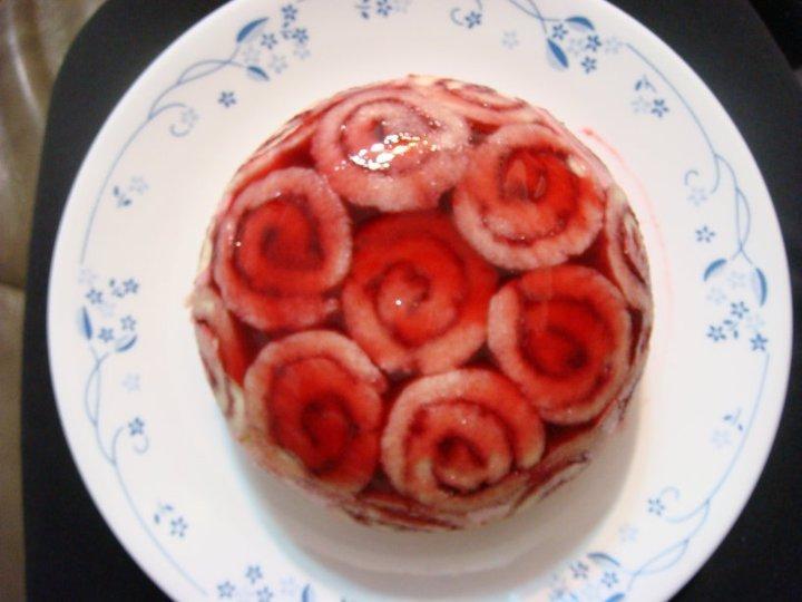 覆盆子玫瑰園頂蛋糕