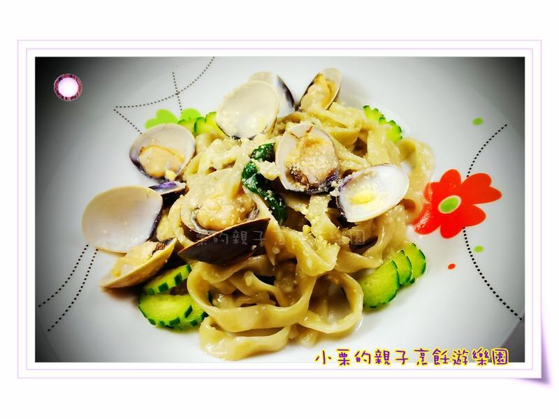 塔香蛤蜊麵