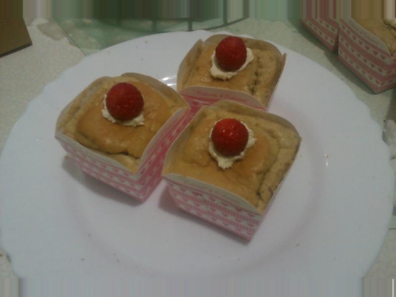 鮮奶油咖啡戚風蛋糕+草莓