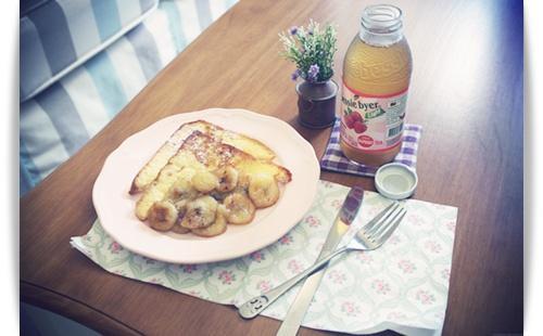 法國吐司佐蜜香蕉!!一起享受午后幸福!!