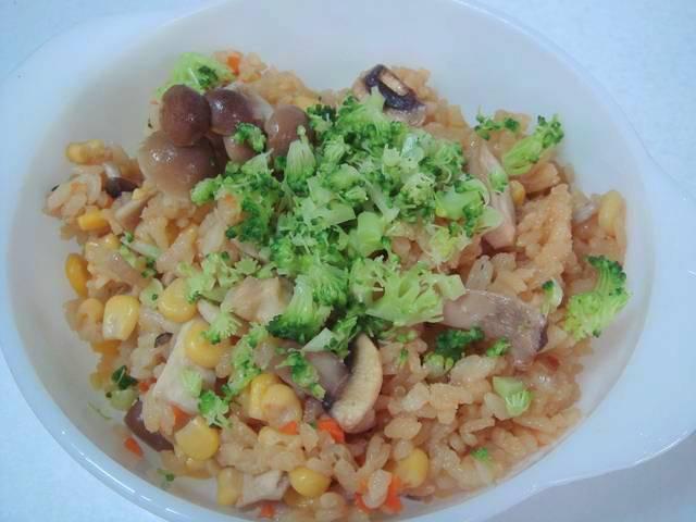 蔬菜菇菇炊飯