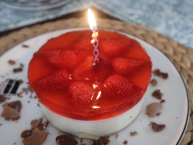 免烤草莓凍乳酪蛋糕