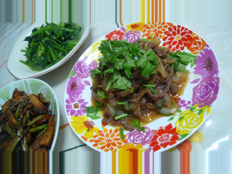 lanni  沙茶炒洋蔥羊肉絲