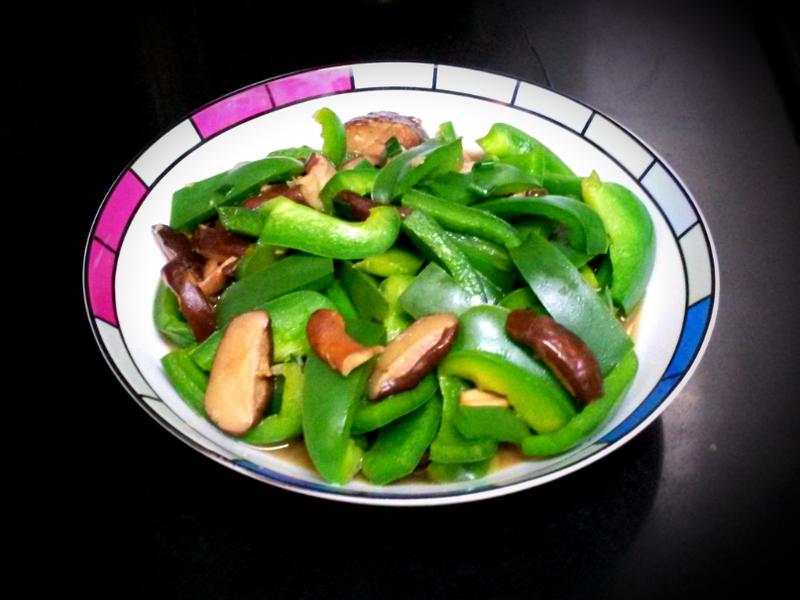 冬菇炒青椒