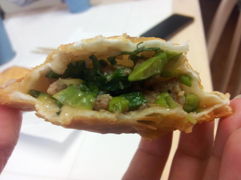 多餘水餃皮*皮酥內涵肉汁的香蔥豬肉響鈴餅