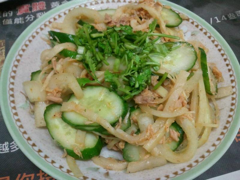 香筍鮪魚拌小黃瓜片