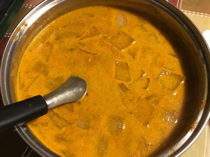印尼椰汁紅咖哩雞