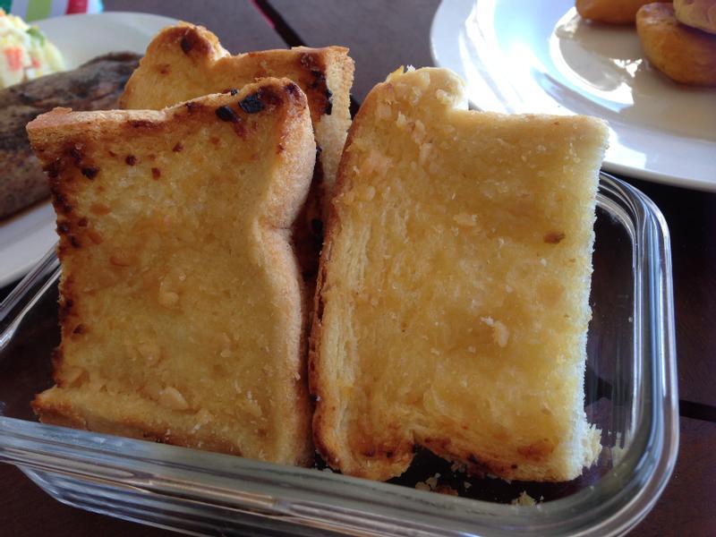 吐司也能做大蒜麵包