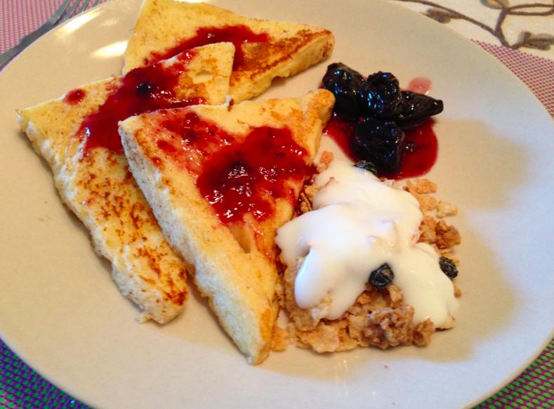 綜合莓法式吐司酸奶玉米片早餐【小確幸Angel⭐廚房】