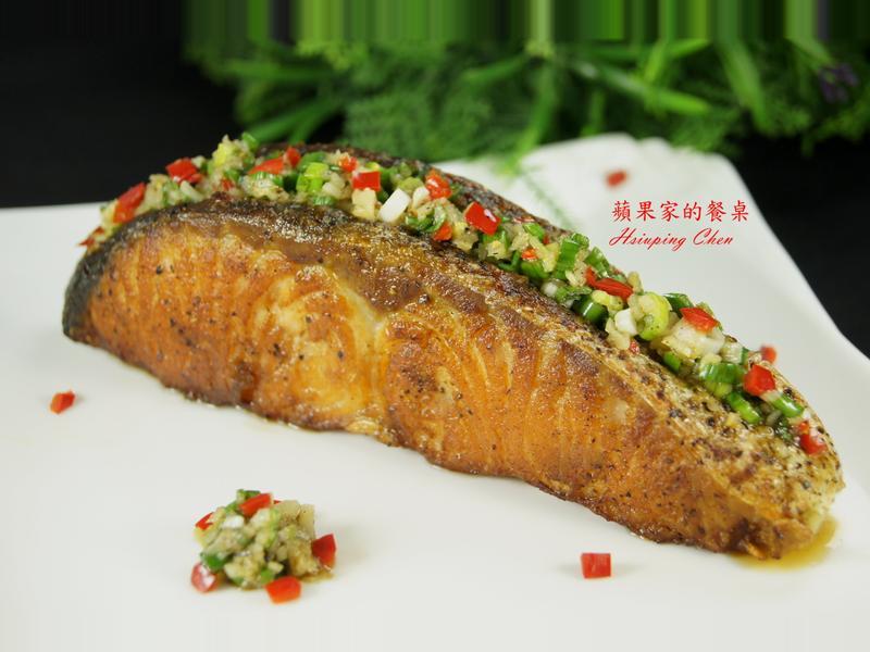 蒜香奶油鮭魚