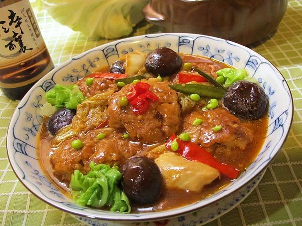 紅燒獅子頭。淬釀年菜料理