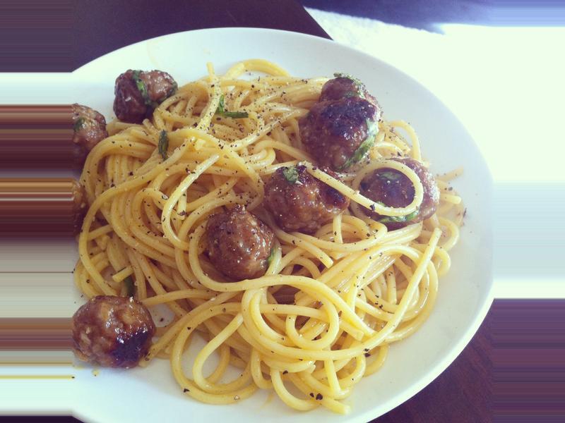 一人輕鬆煮♫義大利香腸蛋黃麵