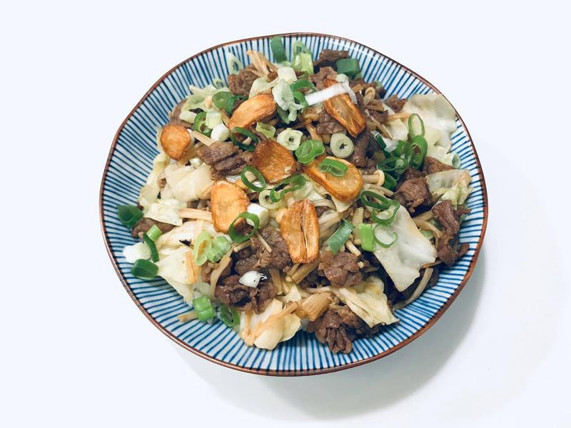 日式蒜片牛肉拌飯