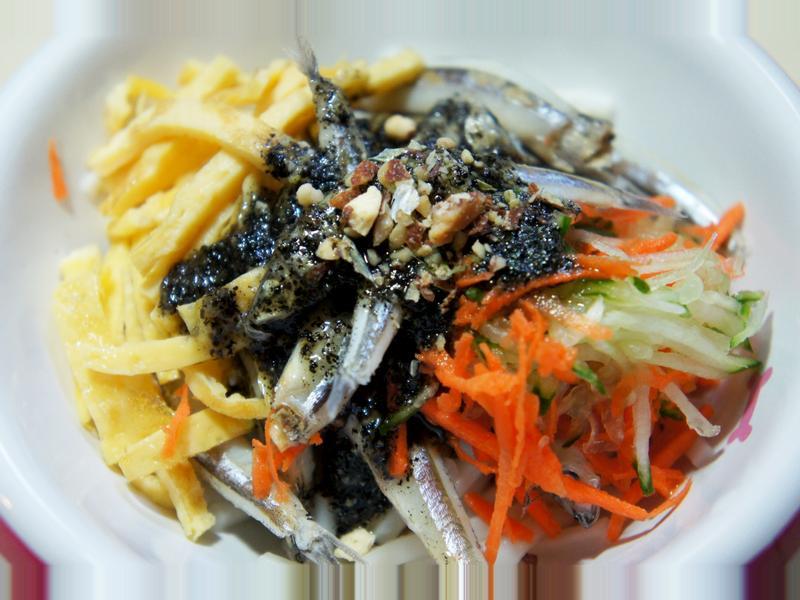 寵物鮮食食譜>蜜汁麻醬小魚涼麵,狗鮮食