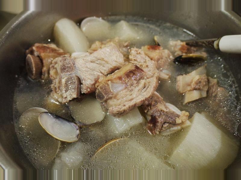 蘿蔔排骨蛤蠣湯