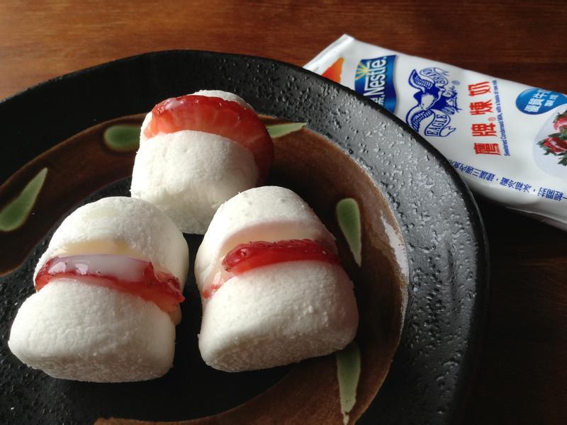 一分鐘 棉花糖草莓夾心~草莓就愛鷹牌煉奶