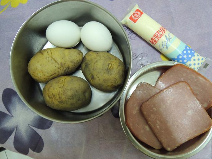 [桂冠夏至涼拌]火腿馬鈴薯雞蛋沙拉