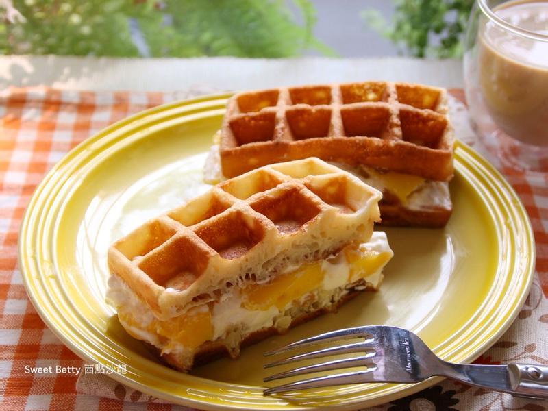 芒果蜂蜜鮮奶油美式鬆餅