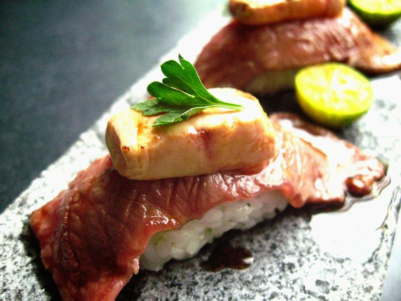 鵝肝牛小排握壽司