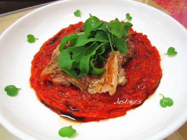 烤甜椒醬芝蔴葉雞腿排
