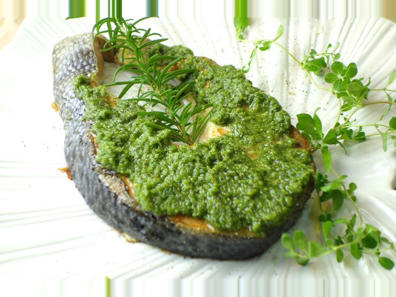 影音示範教學 嫩煎鮭魚佐松子青醬