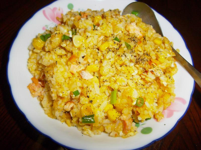 黃金鲑魚炒飯