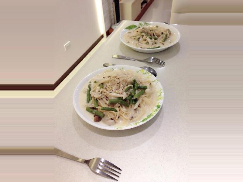 凱蘿簡易小料理~奶油野菇義大利麵