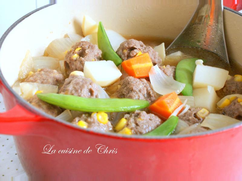 [燉鍋] 馬鈴薯燉肉(玉米牛肉丸子版)