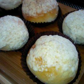沙菠蘿莓果紅豆麵包