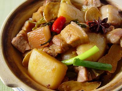 【厚生廚房】砂鍋馬鈴薯燒肉